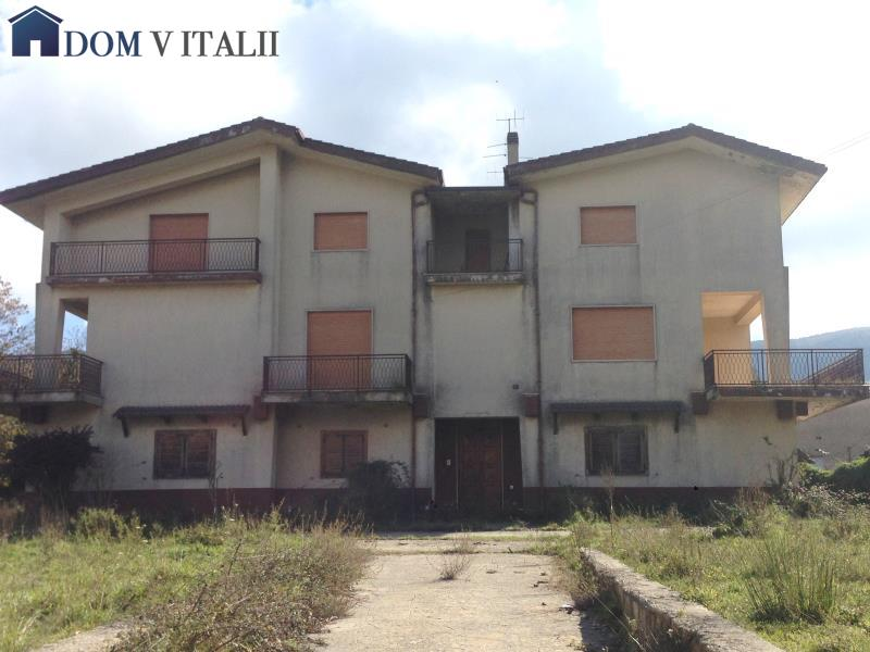Serra san bruno vv calabria italy vendita villa 3 for Piani casa cottage acadian