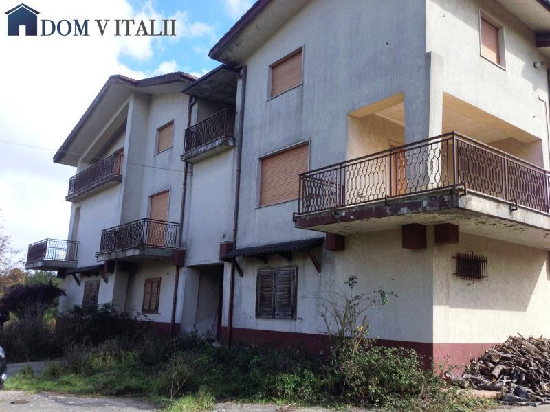 Serra san bruno vv calabria italy vendita villa 3 for Piani architettonici di cottage